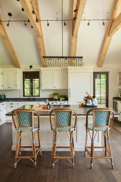 Rustic Kitchen by jamesthomas, LLC