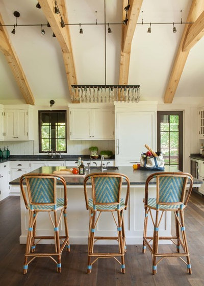 Rustic Kitchen by jamesthomas Interiors