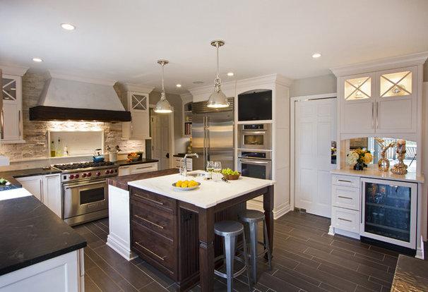 Traditional Kitchen by TrueLeaf Kitchens