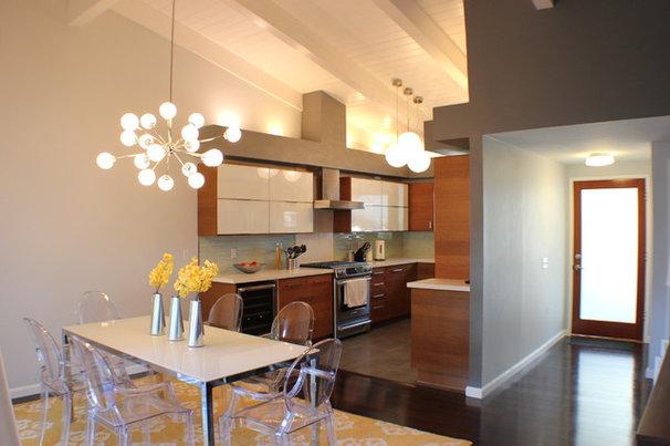 Midcentury Kitchen by Yipkiyeh Interiors