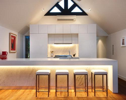 saveemail bench lighting