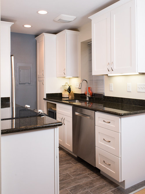 Small Traditional Galley Kitchen Design Ideas Remodel Pictures Houzz