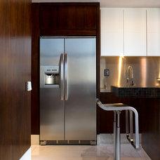Contemporary Kitchen by Allan Malouf Studio