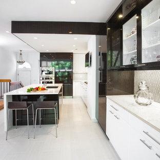 75 Most Popular Kitchen With Glass Sheet Backsplash Design Ideas For