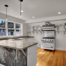 Modern Kitchen by RW Anderson Homes
