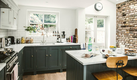 Houzz Tour: A Tiny Cottage Gets a Bright, Space-enhancing Update