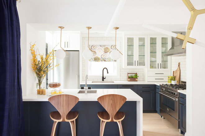 Kitchen by South Hill Interiors