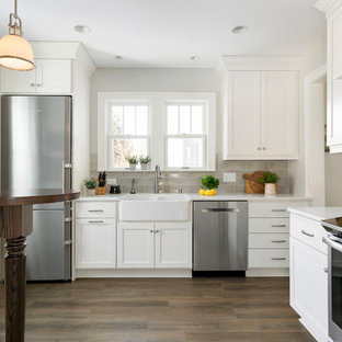 75 Beautiful Small Kitchen With A Peninsula Pictures Ideas April 2021 Houzz