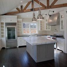 Traditional Kitchen by Robert Baumann, Architect