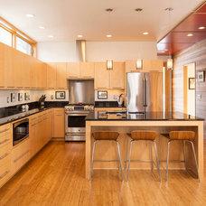 Modern Kitchen by SALA Architects