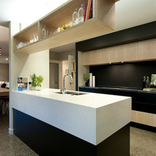 Contemporary Kitchen by Urban Lounge Interiors Limited