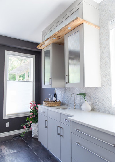 Contemporary Kitchen by LemonTree & Co. Interiors