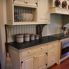 Traditional Kitchen by Rittenhouse Builders
