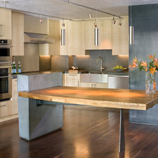Contemporary Kitchen by CHC Mountain Structures