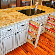 Traditional Kitchen by Hunts Home Interiors & Design
