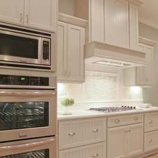 Traditional Kitchen by Valiant Homes