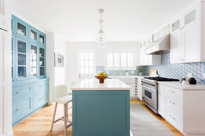 Kitchen by Sandra Fox Interiors
