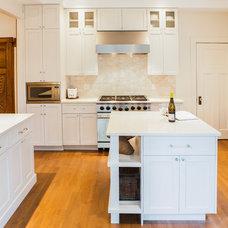 Transitional Kitchen by Nouvelle Cuisine