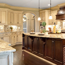 Traditional Kitchen by ULTIMATE KITCHENS--SHOWROOM