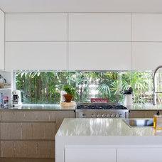 Contemporary Kitchen by Denai Kulcsar Interiors