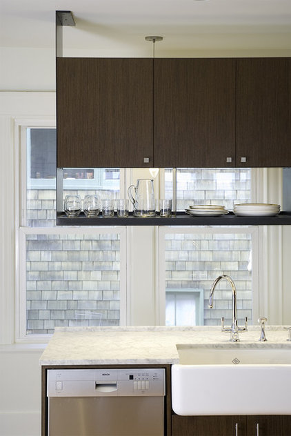Contemporary Kitchen by BAAN design