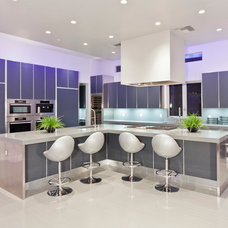 Contemporary Kitchen by David Marquardt Architectural Photography
