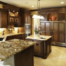 Mediterranean Kitchen by Barenz Builders