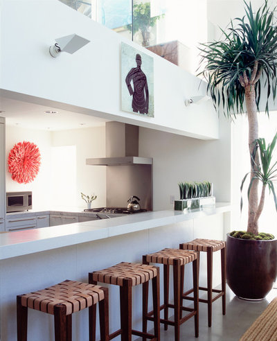 Contemporary Kitchen by Katie Leede & Company Studio