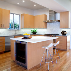 Contemporary Kitchen by clark kitchens and construction