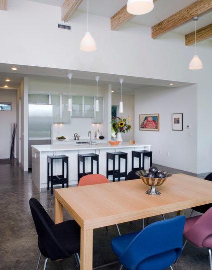 Modern Kitchen by Verdisian LLC