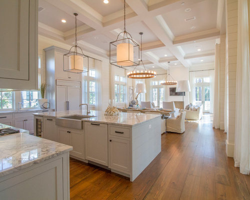 Pleasing Beach Style Kitchen Design Ideas Remodel Pictures Houzz Largest Home Design Picture Inspirations Pitcheantrous