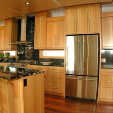 Contemporary Kitchen by Bear Creek Special Projects (BCprojects.ca)