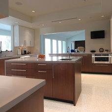 Modern Kitchen by Jim Farris Cabinets