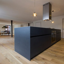 Contemporary Kitchen by Minimal USA