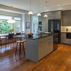 Contemporary Kitchen by Vanbetlehem Architect Inc.