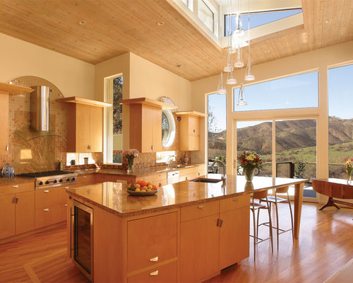 Unusual shaped island houzz for Kitchen designs for odd shaped rooms