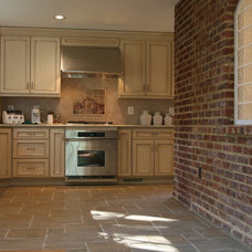 Traditional Kitchen by Sonny Wiehe, President, Vice Versa Builders