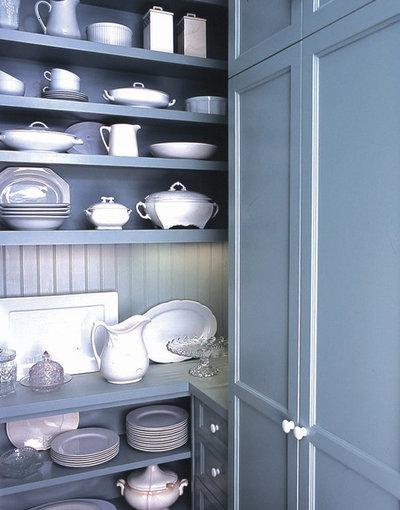Victorian Kitchen by Gast Architects