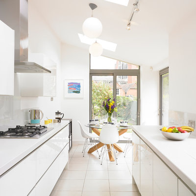 Kitchen Of The Week Simple Style Opens Up A Narrow Galley Space