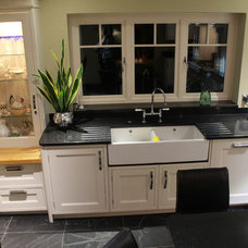 Traditional Kitchen by Studio 3 kitchens