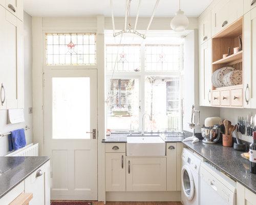 victorian kitchen with glass sheet backsplash design ideas