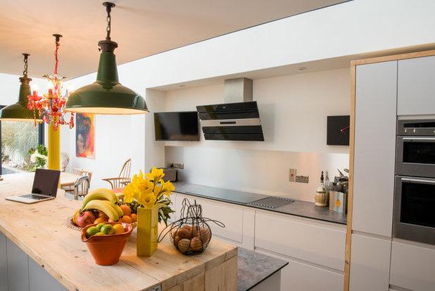 Contemporary Kitchen by In Ex Design