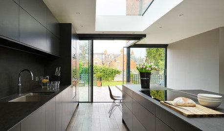 7 Ways to Pair Dark Kitchen Cabinets With Dark Benchtops