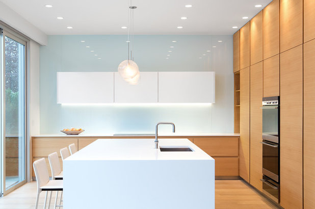 Modern Kitchen by KBC Developments