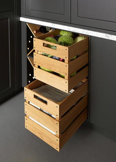 Landhausstil Küche by Schuller Kitchens UK