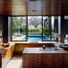 Modern Kitchen by MK Properties