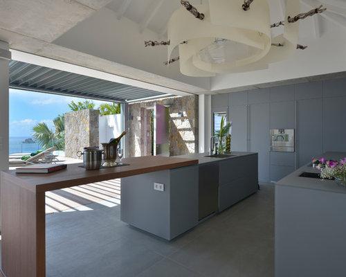 kolonialstil k chen mit betonboden ideen design bilder. Black Bedroom Furniture Sets. Home Design Ideas