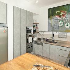 Modern Kitchen by SK Designers - Shimrit Kaufman