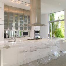 Contemporary Kitchen by BROWN DAVIS INTERIORS, INC.