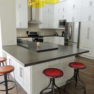 Inspiration For A Contemporary U Shaped Eat In Kitchen Remodel In Miami  With Flat